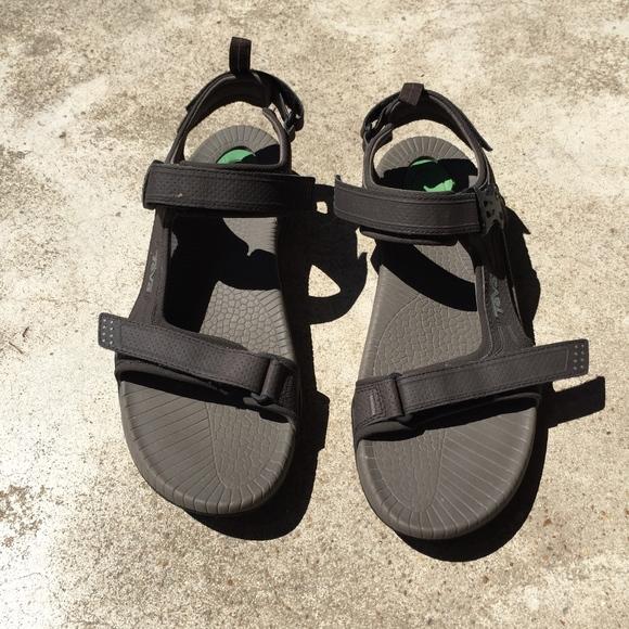 3fcf38ac3c5c4c Teva Toachi 2 Multisport Waterproof Sandals. M 5b40f33e035cf12c7435020f